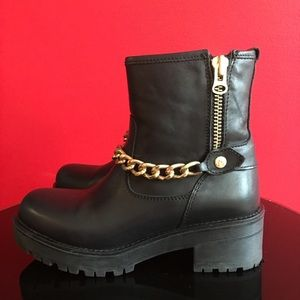 Alpe Shoes - Alpe black 7.5/38 leather ankle chain boot